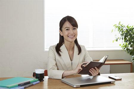 仕事の効率が良い女性