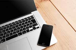 パソコンと携帯電話