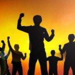 徒党を組む人の特徴 ~仲間はずれやイジメをする心理と対策