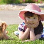 子供や動物に好かれる人の特徴 – なぜ自然と寄ってくるのか