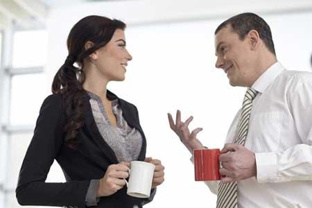 自慢話ばかりの男性の対処に困る女性