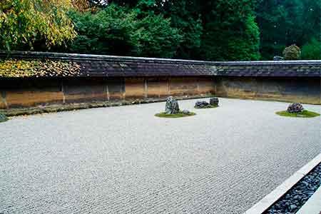 不完全の美である日本庭園(枯山水)
