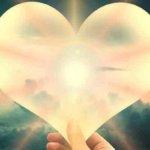愛を捧げることが心を満たし、満たされた現実を運んでくる