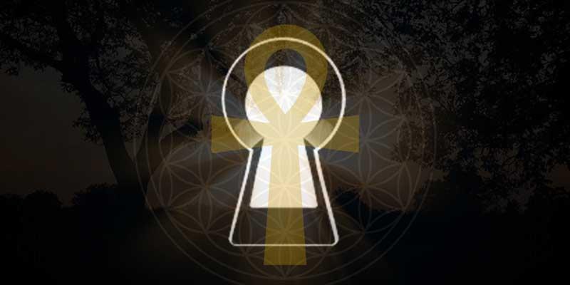 前方後円墳(鍵穴)とアンク(鍵)